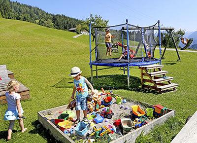 Spielplatz & Tiere
